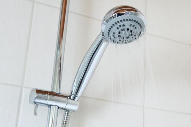 come fare la doccia a un disabile