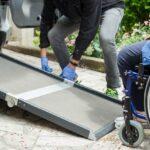 Come trasportare un disabile in auto